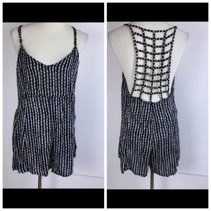RVCA Dresses - {RVCA} FINAL PRICE 💕Black and white romper *2121